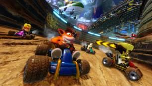 Kvartovsko škurinjsko i drenovsko vikend igranje Crash Team racinga na velikom platnu